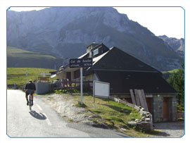 Explore the Pyrenees on your cycling holiday