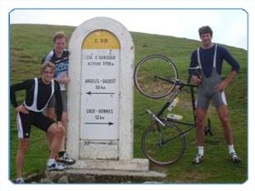 Dutch Rowing Crew cycling at Aubisque, Pyrenees