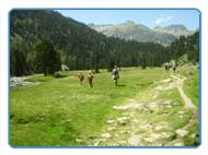 Family excursion to the mountainous Pyrenees